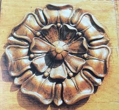 Plywood Design, Wooden Owl, Wood Carving Art, Wooden Ornaments, Acanthus, Woodworking Projects Diy, Wood Engraving, Classic Furniture, Woodcarving