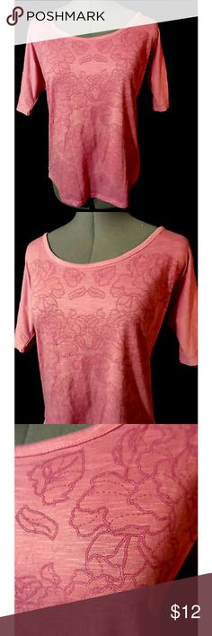 "MAURICES T-shirt Top Sm Pink Floral Embroidered Individual monitors may display slightly different tones and colors...?  MAURICES Tee shirt  TAG SIZE: S BUST: 36"" LENGTH: 23"" from top of the shoulder down  Lovely embroidered floral design Wide scoop neckMelange knit Short dolman sleeve Slightly rounded hem Rose pink in color Light wash and wear. Maurices Tops Tees - Short Sleeve"