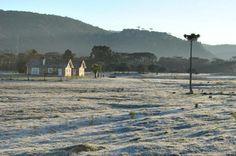 Frio ao amanhecer de Lages, na Serra Catarinense, ao amanhecer desta quinta-feira, 28 de agosto de 2014. A temperatura na cidade chegou a -1ºC, mas a mínima no Estado foi de -6,8ºC, em Urupema:imagem 24