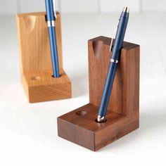お気に入りのペンがオブジェになる。木製ペンスタンド。の画像