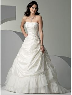 Robe de mariée en Taffetasss plissé sans bretelles