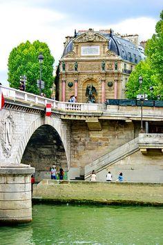 Paris, Quai Saint-Michel