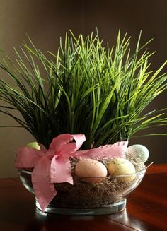 Easter Grass DIY Spring Decor - like the idea of artificial grass vs real. Easter Flower Arrangements, Easter Flowers, Easter Centerpiece, Grass Centerpiece, Centerpiece Ideas, Hoppy Easter, Easter Eggs, Easter Bunny, Easter Parade