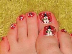20 Best and Easy Christmas Toe Nail Designs | Christmas Celebrations