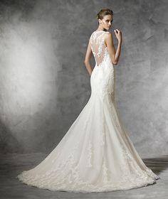 Pronovias LAREN, $799 Size: 4 | New (Un-Altered) Wedding Dresses