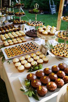 Pesto and pine nut tart - Clean Eating Snacks Wedding Snacks, Dessert Bar Wedding, Wedding Appetizers, Dessert Bars, Wedding Appetizer Table, Easy Diy Wedding Food, Dessert Catering, Rustic Wedding Desserts, Wedding Food Bars