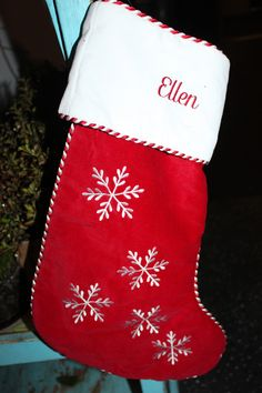The Stocking  beautifully wrapped gifts ? #PickMeEllen!  @deafsinger  is watching