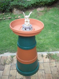 Bird Bath - Kids & I can make this - super easy! Paint it too.....