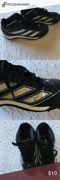 """Boys Adidas cleats These cleats still have lots of life left, with soles still in great shape.  The main wear is from """"wrinkling"""" and a few scuffs in the leather. Adidas Shoes"""