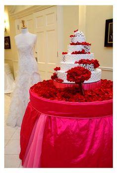 Tapestry Linens, LLC - Wedding Cake Table Linens