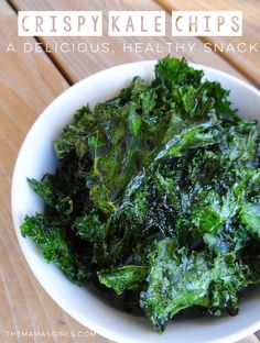 I'm usually one who will choose a crispy, salty snack, over a sweet, sugary one. So I tried these Crispy Kale Chips! I had no idea kale could be so amazing! Yummy Healthy Snacks, Healthy Recipes On A Budget, Healthy Cooking, Great Recipes, Cooking Recipes, Yummy Food, Best Kale Chip Recipe, Kale Chip Recipes, Chips Recipe