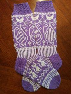 Knit Or Crochet, Knitting Socks, Mittens, Gloves, Stitch, Cats, Handmade, Fashion, Knit Socks