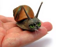 Meet the Strange, Wonderful Miniature Cats of Colorado Sculptor Sara Wagner - Ca. - Meet the Strange, Wonderful Miniature Cats of Colorado Sculptor Sara Wagner – Catster - Polymer Clay Creations, Polymer Clay Crafts, Sculpture Clay, Sculptures, Clay Monsters, Cute Fantasy Creatures, Toy Art, Paperclay, Clay Figures
