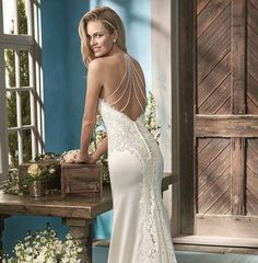 Coming Soon! #beautifulbackdetail #sexybride #dreamdress #wedding #stunning #bridetobe #isaidyestothedress #bridal #bestshopever #bridalgown #bridalshop #piantaloves
