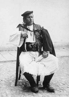 Slovak - Očová (Podpoľanie) - Sloveni on Facebook Folk Clothing, Nostalgia, Goth, Culture, Life, Technology, Embroidery, Facebook, Clothes