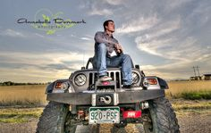 Great Senior picture idea!    Jeep photo by Annabelle Denmark Photography
