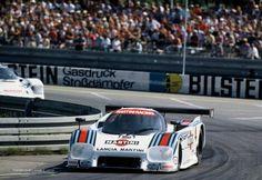 https://i.pinimg.com/236x/76/b4/64/76b4648940f89fa7fc3fb530eab95982--sports-car-racing-race-cars.jpg