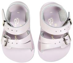 Pastel pink baby Saltwater Sandals will be on repeat this spring summer!