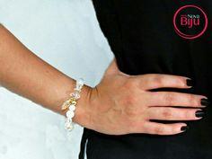 Pulseira mão de fátima  branca para um  look  básico! 👸👜👠💄 www.minhanovabiju.com.br  #minhanovabiju #acessoriosfemininos #acessorios #pulseiramaodefatima #pulseirafeminina #lojaonline  #bijuterias #bijuteriasfinas #modafeminina  #salvadorbahia #enviamosparatodobrasil