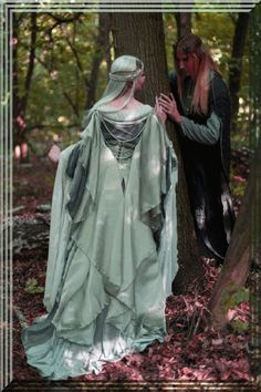 Silver gray elven dress, romantic fantasy gown, wedding dress, Lord of the Rings inspired, Made to order Rabatt auf silbergraues Elfenkleid. Moda Medieval, Medieval Dress, Medieval Fantasy, Fantasy Wedding Dresses, Fairy Wedding Dress, Fantasy Gowns, Gown Wedding, Fairy Dress, Lace Wedding