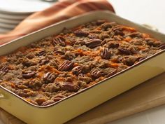 Streusel Pecan Sweet Potatoes -A hint of spice and citrus make a buttery, streusel-topped sweet potato casserole extra special. Sweet Potato Pecan, Sweet Potato Soup, Sweet Potato Casserole, Sweet Potato Recipes, Potato Ideas, Bean Casserole, Best Bread Pudding Recipe, Pudding Recipes, Soup Recipes