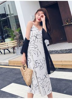 Material: polyester, chiffon Sleeve length (cm): sleeveless Waist: Empire Neckline: V-neck Cm Bust Length S 86 114 M 90 115 L 94 116 XL 98 117 inch Bust Length S M L 37 XL Midi Dress Outfit, Boho Midi Dress, Dress Outfits, Elegant Dresses For Women, Beach Print, Sexy, Strand, Products, Fashion