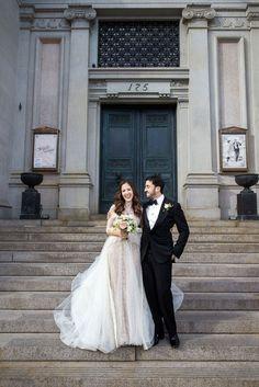 Classic NYC steps for perfect wedding portraits   www.christianOthStudio.com
