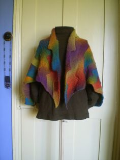 Free Pattern: Lightning Shawl by Frankie Brown