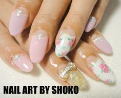 #pink #nails #floral