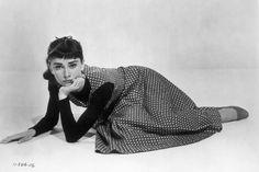En en set de rodaje de Sabrina, de Billy Wilder, en 1954. La actriz volvió a estar nominada al Oscar por su papel en la película, pero finalmente se lo llevó Grace Kelly.