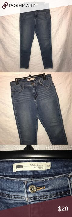 """Levi's 512 perfectly slimming skinny jeans size 12 Awesome jeans that come with the skinny legs, sandblasted wash and a high rise. The jeans are made from cotton, polyester, and elastane. They are stretchy. The jeans have been worn before and are still in excellent condition. The waist measures 32"""", the inseam is 29"""", and the rise is 10 3/4"""" Levi's Jeans Skinny"""