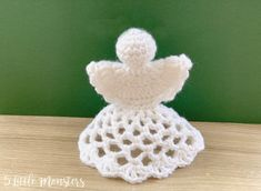 Full Pattern 5 Little Monsters: Lacy Crocheted Angel Ornament Crochet Ornament Patterns, Crochet Angel Pattern, Crochet Angels, Christmas Knitting Patterns, Crochet Flower Patterns, Crochet Patterns Amigurumi, Crochet Ideas, Crochet Christmas Ornaments, Holiday Crochet