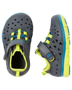 best sneakers b1bc9 92f75 Stride Rite Made2Play Phibian Sneaker Sandal. Zapatos De Niño ...