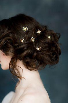 Hairstyles For Black Women Star Hair Pins Celestial Hair Piece Gold Bridal Headpiece Star Hair, Bridal Hair Pins, Hair Wedding, Wedding Veils, Bridal Headpieces, Bridal Hairstyle, Rose Gold Hair, Roses In Hair, Pretty Hairstyles