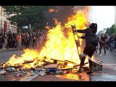G20,Гамбург на осадном положении..Колючая проволока, кордоны, заколоченн...