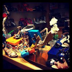 Bluegenex en nuestras tiendas! #zapatos #zapatería