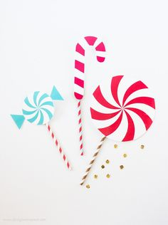 Printable Holiday Photo Booth Props by Design Eat Repeat