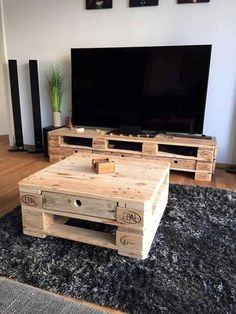 Pallet TV Stand and Coffee Table - 15 Surprising DIY Pallet Projects for Your New Home - Pallets Pro Pallet Furniture Tv Stand, Palette Furniture, Pallet Tv Stands, Pallet Sofa, Coffee Table Pallet Diy, Wood Pallet Tables, Pallet Lounge, Pallet Walls, Tv Stand And Coffee Table