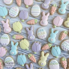 """Melissa🌵Pecan Street Cookie Co on Instagram: """"H🐰ppy E🐣ster y'all! 🥕"""" Summer Cookies, Mini Cookies, Fancy Cookies, Iced Cookies, Easter Cookies, Birthday Cookies, Holiday Cookies, Heart Cookies, Valentine Cookies"""