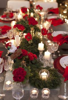 Christmas table decorations: create a really festive atmosphere tischdekoration-christmas-red-flowers-candlestick-evergreen-branches Red-napkin Christmas Tabletop, Christmas Table Settings, Christmas Tablescapes, Christmas Table Decorations, Christmas Kitchen, Noel Christmas, Merry Little Christmas, Holiday Tables, Deco Table Noel