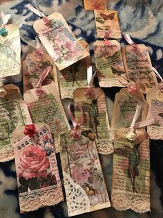Atc Cards, Card Tags, Gift Tags, Vintage Paper Crafts, Etiquette Vintage, Art Trading Cards, Altered Art, Altered Books, Handmade Tags