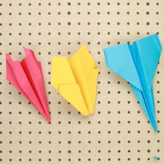 Upgrade Your Paper Airplane Game With These Clever Techniques Paper Airplane Game, Paper Airplane Folding, Paper Folding For Kids, Paper Planes, Origami Aeroplane, Origami Plane, Diy Paper, Paper Crafts, How To Make Paper
