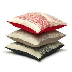 Cushions - with traditional Norwegian design - I'd like to knit on myself :-)