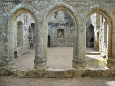 Bodiam Castle, England Bodiam Castle, Castle Ruins, Chateaus, Décor Ideas, East Sussex, 14th Century, Palaces, Art And Architecture, Wood And Metal