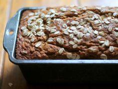 BANANA NUT BREAD. Sin azucar ni harina. Mas info: http://www.bodyrock.tv/food/banana-nut-oat-bread-flour-sugar-added/#