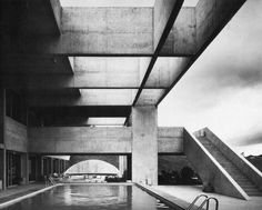 Mexican Ambassador's Residence, Brasilia, Brazil designed by the Mexican architects Abraham Zabludovsky and Teodoro González de Léon, 1973 Harbin, Concrete Architecture, Architecture Design, Fachada Colonial, Exposed Concrete, Architectural Photographers, Brutalist, Beautiful Buildings, Resorts