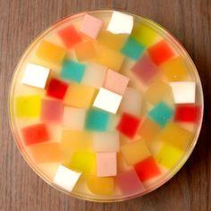 パーティにもぴったり!「ゼリーのイエ」のキラキラ虹色ゼリー - 【E・レシピ】料理のプロが作る簡単レシピ