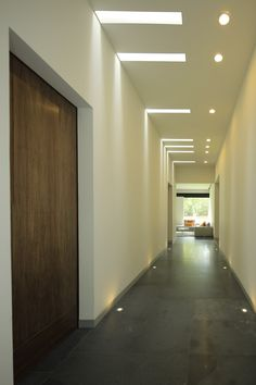Casa MM on Behance Plaster Ceiling Design, Gypsum Ceiling Design, House Ceiling Design, Ceiling Design Living Room, Bedroom False Ceiling Design, Ceiling Light Design, Wall Design, House Design, Modern Villa Design