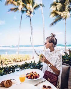 "12.1k Likes, 130 Comments - Debi Flügge | Vegan Diet (@debiflue) on Instagram: ""sundays are made for late breakfasts wearing my favorite @kaptenandson #bekapten #ad #breakfast…"""