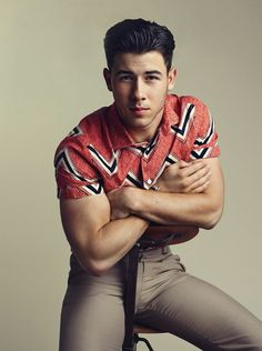 How to Recreate Nick Jonas' Style – #StealTheLook